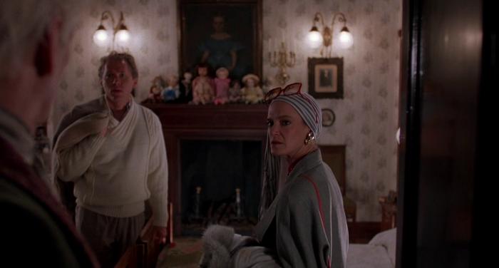 Carolyn Purdy Gordon arrives in Dolls(1987) Stuart Gordon's wife
